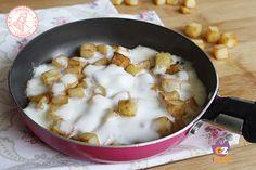 Le patate e stracchino veloci in padella si preparano in poco tempo, con poca fatica e poca spesa. E' un contorno gustoso o un secondo leggero buonissimo