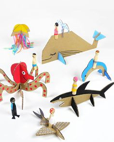 DIY Peg Dolls with Cardboard Sea Creatures: Check out the other animal and vehicle templates too! Great Tutorial for the Peg Dolls and Free Printable Templates From Mr Printables. Cardboard Animals, Paper Animals, Diy Cardboard, Cardboard Playhouse, Fabric Animals, Cardboard Furniture, Wooden Animals, Mr Printables, Printable Crafts