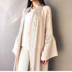 Light abaya nude