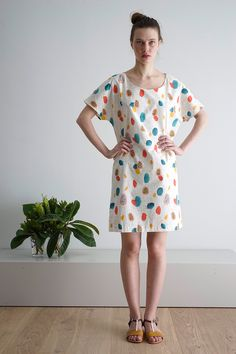 Cus Papaya print Organic Cotton Dress Gorgeous printed summer dress features papaya print and has a slim leather belt which is attached (not in photo). Sustainable Fashion, Organic Cotton, Short Sleeve Dresses, Spring Summer, Fashion Outfits, Summer Dresses, Knitting, Prints, Clothes