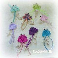 Häkelapplikationen - Qualle in Wunschfarbe - ein Designerstück von Zucker-Wolle bei DaWanda