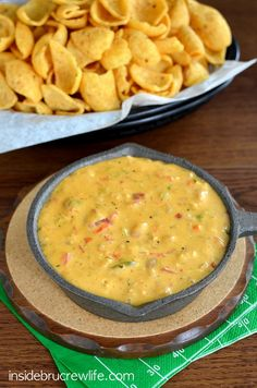 Chicken Fajita Queso Dip - Velveeta cheese and Rotel tomatoes get a fun chicken fajita twist in this queso www.insidebrucrewlife.com
