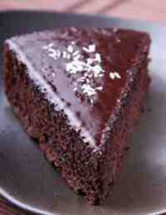Are you looking for the perfect recipe for Flourless Black Bean Chocolate Cake (Gluten Free, Grain Free)? Ours takes just 20 minutes of preparation time and is healthy and delicious! Black Bean Chocolate Cake Recipe, Chocolate Sin Gluten, Flourless Chocolate Cakes, Cake Chocolate, Black Bean Cakes, Cake Recipes, Dessert Recipes, Candida Recipes, Gluten Free Cakes