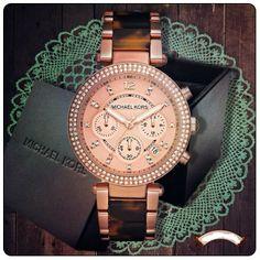 pinterest: @kardelenezgi Jewelry Box, Jewelry Watches, Mk Watch, Fashion And Beauty Tips, Chain Belts, Stylish Watches, Couture, Michael Kors Watch, Bracelet Watch