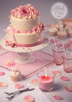 Autumn Romantic Wedding Cake by Xuân-Minh