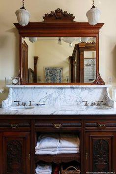 90 Elegant And Modern Vintage Bathroom Decor Ideas Bathroomdecorideas Bath - USdecor Modern Vintage Bathroom, Victorian Bathroom, Bathroom Layout, Bathroom Interior, Bathroom Sinks, Bathroom Ideas, Bling Bathroom, Aqua Bathroom, Cream Bathroom