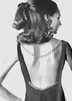 US Vogue February 1, 1968. American Fashion: The Best of Spring Fashion.  Photo Irving Penn