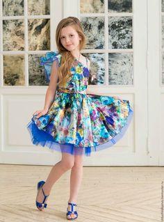 Bright dress for girl / Одежда для девочек, ручной работы. Ярмарка Мастеров - ручная работа. Купить Атласное цветно платье на одно плечо. Handmade. Комбинированный