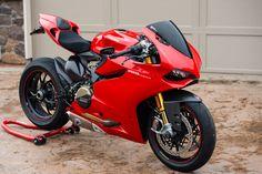 Ducati Motorbike, Racing Motorcycles, Custom Motorcycles, Red Motorcycle, Motorcycle Outfit, Cbr 250 Rr, Street Bikes, Biker Love, Custom Sport Bikes