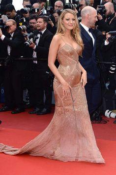 blake-lively-cannes-2016-gold-dress-pregnant-grávidas-vestido-longo-gala-festa-casamento