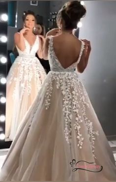44 Trendy and Wonderful Prom Dresses ( Ball Dresses ) You Love It * 33 ball dress prom,elegant ball Lace Wedding Dress, Wedding Dress Trends, Long Wedding Dresses, Wedding Gowns, Lace Dress, Dress Long, Dress Prom, Amazing Prom Dresses, Butterfly Wedding Dress