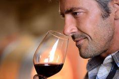 Mikor, melyik bort? Melyik borhoz mit? Egy életen át tartó felfedezés. - Ha te is feltetted már magadnak ezeket a kérdéseket, akkor olvass bele rövid cikkünkbe, ezekre a kérdésekre ad választ. http://www.holnapottabor.hu/borkurzus #borkóstolás#karácsonyi előkészület#borkurzus#lovewines
