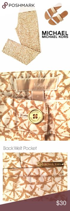 """NWOT Michael Kors Printed Ankle Pants NWOT.  Size 4 crisp & clean printed MICHAEL Michael Kors skinny ankle pants. 97% cotton with 3% spandex hugs your curves to create a sleek silhouette with simple yet polished appeal.   Belt loops Button waistband with zip fly Side mock pockets Back welt pockets Inseam, about 29"""" MICHAEL Michael Kors Pants"""
