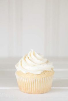 I usually hate buttercream, but even these look delicious.  Vanilla Bean Buttercream Dream {aka Nanny Burke's Buttercream}