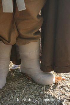 Wrap ACE bandages around rain boots to get Luke Skywalker look :) Increasingly Domestic: {Handmade} Luke Skywalker Costume