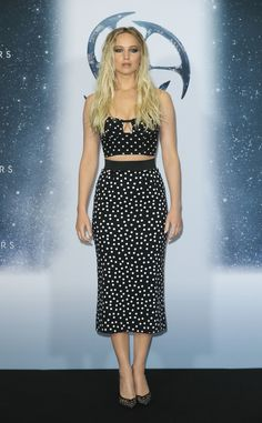 """Jennifer Lawrence Photos Photos - Actress Jennifer Lawrence attends the photocall for """"Passengers"""" at Hotel Adlon on December 2016 in Berlin, Germany. - 'Passengers' Berlin Photocall And Press Conference Celebrity Red Carpet, Celebrity Style, Celebrity Crush, Jennifer Laurence, Jennifer Lawrence Style, Casual Chique, Polka Dot Crop Tops, Polka Dots, Red Carpet Looks"""