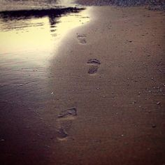 Mykonos, Greece (Hellas) Footprints - Sand - Let the photos bring the most deep emotions to the surface of your heart  -  In love with this place: Agia Anna Beach - Addicted to Mykonos ♥️