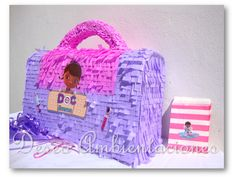 Piñata maletin de Doctora Juguetes