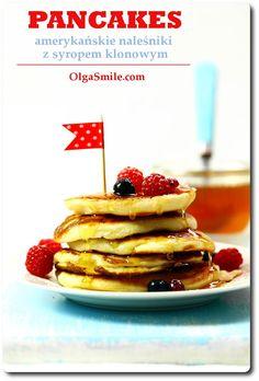 Pancakes - Amerykańskie naleśniki Pancakes, czyli inaczej grube i puchate amerykańskie naleśniki z syropem klonowym pojawiły się na polskich stołach kilkanaście lat temu. Nazywane są również placuszkami, ewentualnie racuszkami. Zdecydowanie są smaczne i już! Pieczone z