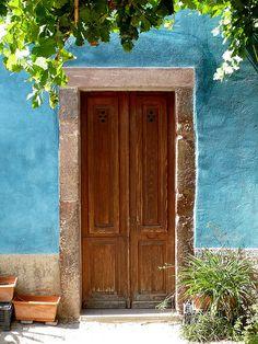 #Sardinia #Bosa #Door Cool Doors, Unique Doors, Arched Doors, Windows And Doors, Natural Architecture, Open Door Policy, When One Door Closes, Door Detail, Shutter Doors