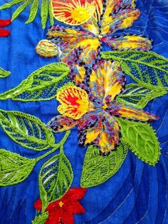 Grupo Bordelando: Portfólio Hand Embroidery Projects, Embroidery Neck Designs, Creative Embroidery, Shirt Embroidery, Hand Embroidery Stitches, Vintage Embroidery, Thread Art, Thread Painting, Applique Quilts