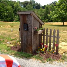 Outhouse Mailbox - one way to handle junk mail Mailbox Garden, Diy Mailbox, Mailbox Landscaping, Garden Tool Shed, Mailbox Ideas, Garden Sheds, Mailbox Decorating, Rustic Mailboxes, Unique Mailboxes