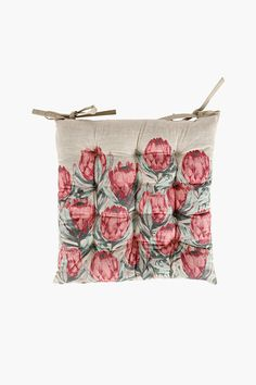 Our stunning, rustic, protea printed cotton chair pad will add fresh style to your outside seating area with its unique design and vibrant colour.