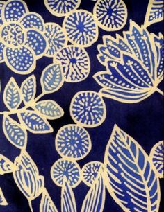 luli sanchez folk art flowers - paint background, foam plate prints - create 4 each child ( leaf, flower , side flower view and circle with dots) print with lighter blue then background. cut out and collage. Motifs Textiles, Textile Patterns, Print Patterns, Textile Pattern Design, Shibori, Wit And Delight, Stoff Design, Motif Floral, Art Graphique
