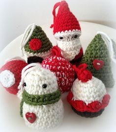 Fuente: http://ladycrochet.blogspot.com.es/2012/12/amigurumis-de-navidad-xmas-amigurumis.html