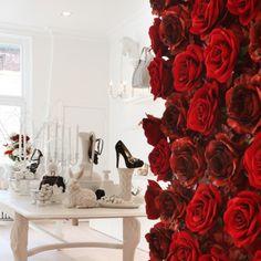 Creneau International › Galante, Luxury Shoe Store #flower #roses