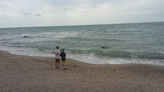în fața mării…