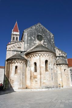 16 Top-Rated Tourist Attractions in Dubrovnik Trogir Croatia, Croatia Travel, Iglesias, Place Of Worship, Altars, Dubrovnik, World Heritage Sites, Barcelona Cathedral, Places Ive Been