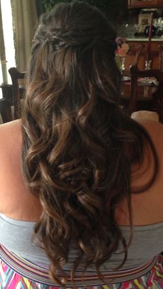 Prom hair. So cute♡!
