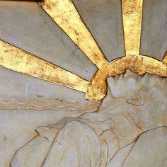 Apollo God of the Sun Angel Aesthetic, Gold Aesthetic, Apollo Aesthetic, Aphrodite, Harlem Renaissance, Triquetra, Greek Gods, Paladin, Dragon Age