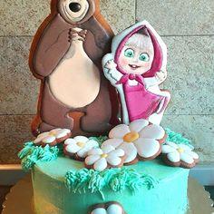 Oggi è il compleanno decorato con Mascia e Orso! :-) #torta #cake #masciaeorso #mashia #orso #cartoneanimato #compleanno #festa #fiori #decoradas #cookie #cookieart #cookies #galletas #bisciuts #bomboniere #speciale #biscottiartistici #biscottidecorati #торт #пряники #айсинг #декоративноепечение #машаимедведь #кремовыйторт #тортбезмастики #тортмашаимедведь #праздник #деньрождения