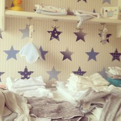 Babykamer jongen Boys nursery Making the most of a small space More