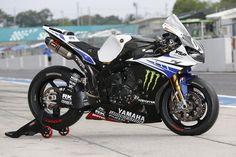 Yamaha R1 - Suzuka Factory Bike 2014