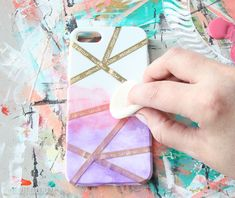 Abstract Gradiant Painted Cell Phone Case - Lydi Out Loud Abstract Gradiant Painted Cell Phone Case - Lydi Out Loud<br> Turn your device into a beautiful accessory by creating your own Abstract Gradiant Painted Cell Phone Case with this easy tutorial! Art Phone Cases, Iphone Cases, Diy Cell Phone Case, Diy Crafts Phone Cases, Merci Store, Diy Coque, Diy Phone Case Design, Coque Smartphone, Handy Case