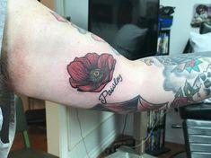 Photo by (juniormtattooer) on Instagram | #poppy #poppytattoo #tattoos #poppytattoos #flower #flowertattoos #tattoo #tattooartist #redflowertattoo #smalltattoo #smallflowertattoo #paisley #colortattoo Red Flower Tattoos, Poppies Tattoo, Colorful Tattoos, First Tattoo, Color Tattoo, Small Tattoos, Tattoo Artists, Poppy, Paisley