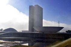Deputados vão ganhar R$ 136 mil de salário e benefícios em janeiro, mesmo em férias - Notícias - R7 Brasil