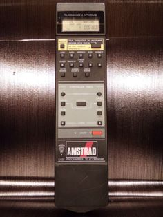 Telecommande-remote-control-AMSTRAD-magnetoscope-video-recorder