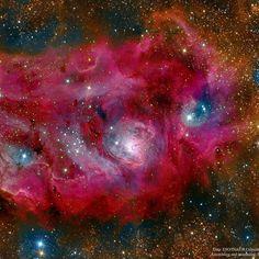 En algún lugar del universo... Nebulosa de La Laguna. En su porción más brillante hay una intensa actividad de formación de estrellas.  #slowtravel #slowlife #InsulaBarataria  http://ift.tt/2fapCFW  #Belmonte #Cuenca  #LaMancha #clm #CastillaLaMancha #elpueblomasbonito #CastilloDeBelmonte #rurallife #nebulosa #estrellas #universo