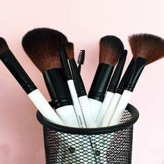 Makeup trends come and go but there's one thing we never switch – our Lily Lolo brushes! Great makeup tools are the foundation of every look, every season, and our brushes also happen to be soft as velvet, vegan and totally game-changing. Check them out now. #bbloggers #lilylolo #veganbeauty #mua #beautygram #makeup #mineralcosmetics #fotd #makeupbrushes