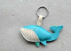 Schlüsselanhänger - Schlüsselanhänger Wal türkis - ein Designerstück von ADAMS-BRAUT bei DaWanda