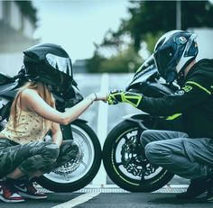 Bikers couple 😍❤️❤️🔥 - - - - - - by @ Biker Love, Biker Girl, Biker Chick, Motocross Couple, Bike Couple, Triumph Motorcycles, Kawasaki H2r, Biker Photoshoot, Motorcycle Couple Pictures