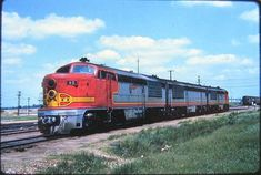 Union Pacific A-B-A set F-M Erie-Built, FM 2000 HP, 82 A & 29 B units were built under a subcontract in Erie, Pennsylvania at the G-E Facilities in Ho Trains, Model Trains, Fairbanks Morse, Bnsf Railway, Railroad Pictures, Burlington Northern, Railroad Photography, Covered Wagon, Rail Car