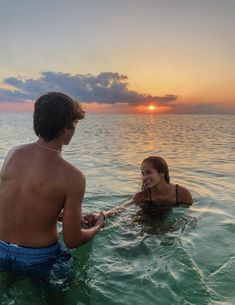 P I N T E R E S T: melissahendrikss distance relationship advice aesthetic goals ideas memes photos pictures problems quotes tips Cute Couples Photos, Cute Couple Pictures, Cute Couples Goals, Couple Goals, Couple Pics, Couple Things, Teen Couples, Couple Beach, Couples At The Beach