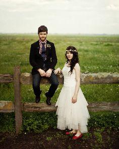 http://jonaspeterson.com/wedding/wedding-claire-nick-terrara-house-estate/