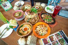 """ร้านอาหารอีสาน """"เรื่องลาว"""" เป็นร้านอาหารอีสานฟิวชั่น ที่เก๋ไก๋ทั้งสไตล์การตกแต่งร้านและเมนูอาหารอีสานที่ค่อนข้างแหวกแนวกว่าร้านอื่นถ้าใครชอบอาหารอีสาน ที่มีทั้งอีสานพื้นบ้าน และอีสานฟิวชั่น อย่าลืมมาลองร้านเรื่องลาวนะครับ อร่อยติดใจแน่นอน อ่านรีวิวเต็มๆของผมได้ที่blogครับ http://www.bloggang.com/viewblog.php?id=akuchan&date=25-04-2015&group=1&gblog=36"""