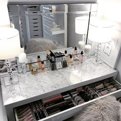 Vanity Makeup Table by Target, Makeup Vanity Table Ikea, Makeup Vanities with… - Décoration . - Vanity Makeup Table by Target, Makeup Vanity Table Ikea, Makeup Vanities with… – Faites-le vous - Ikea Vanity Table, Ikea Malm Dressing Table, Vanity Room, Dressing Tables, Dressing Rooms, Dressing Table Decor, Table Mirror, Vanity In Closet, Dressing Table Organisation